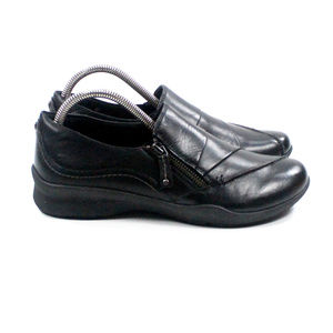 Earth Anise Women's Black Leather Loafers